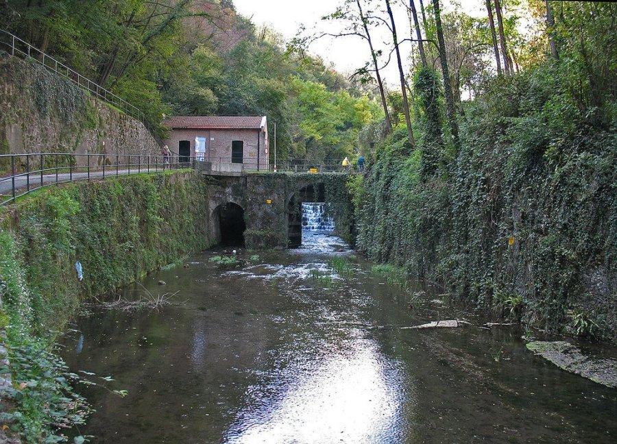 piccola diga idroelettrica