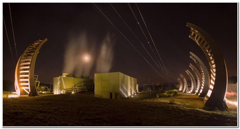 impianto geotermico a biomasse di notte
