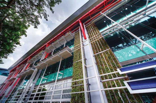 Nearly Zero Energy Buildings facciata