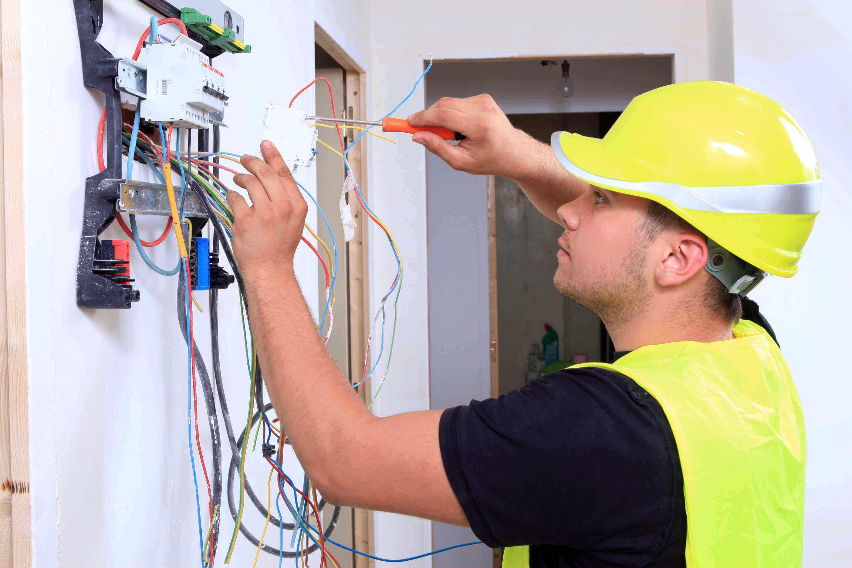 """Cosa vuol dire """"lavorare a regola d'arte"""" nel settore elettrico?"""
