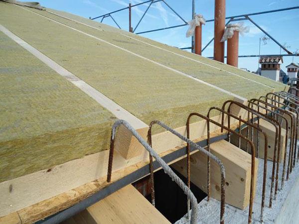 lana di roccia per isolare tetto