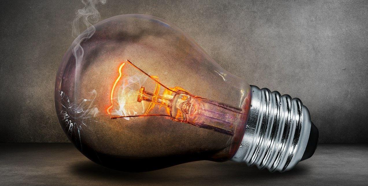 Addio alle lampadine alogene: dal 1 Settembre sarà vietata la vendita.