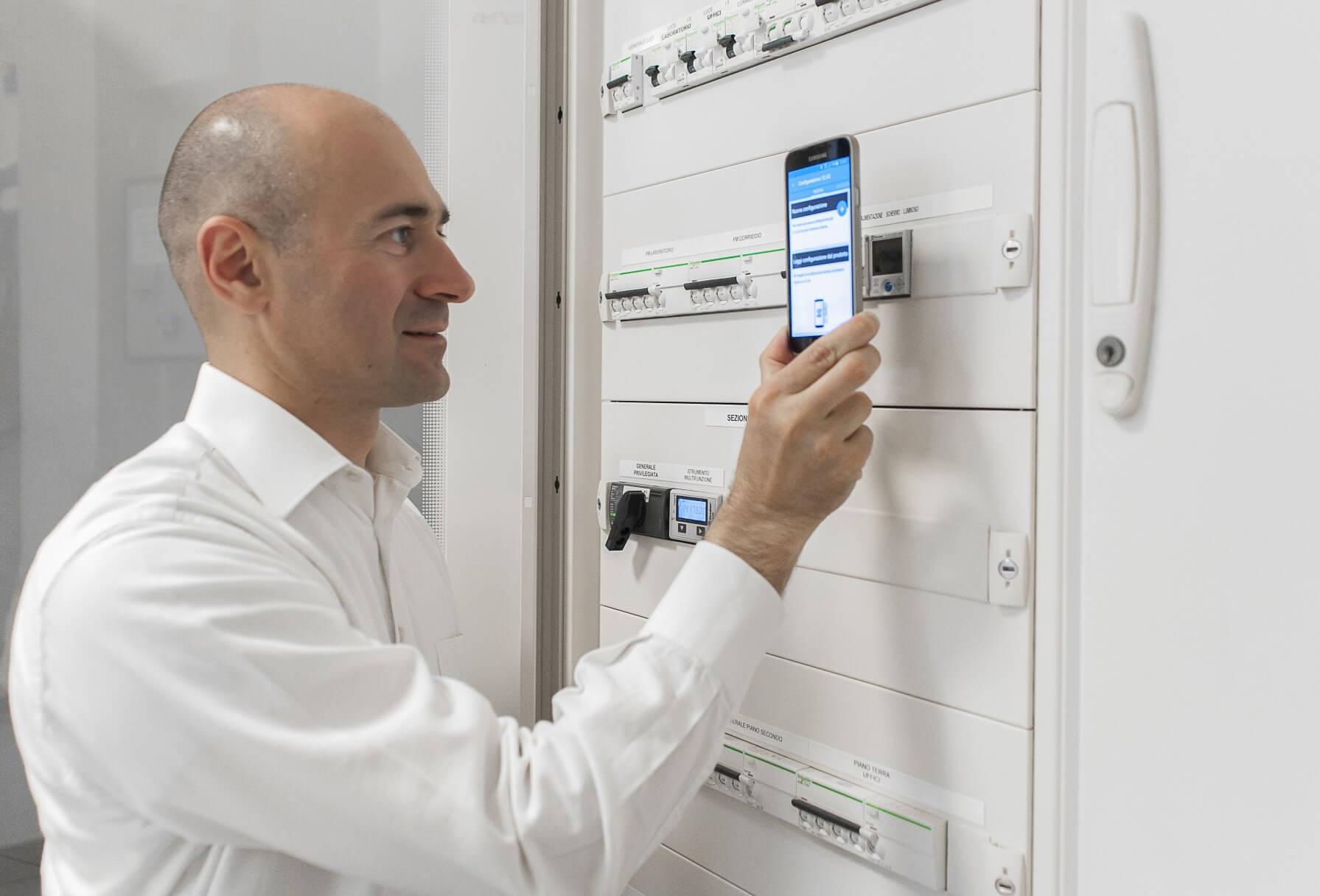 Interruttori Orari con tecnologia NFC della Finder: Guida all'acquisto