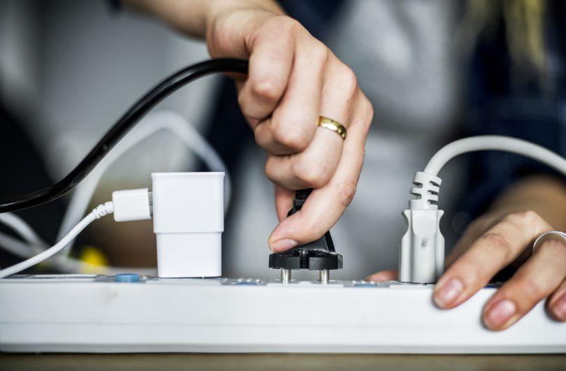 """Prolunga Elettrica: Meglio Acquistarla o Crearla """"Fai da te""""?"""
