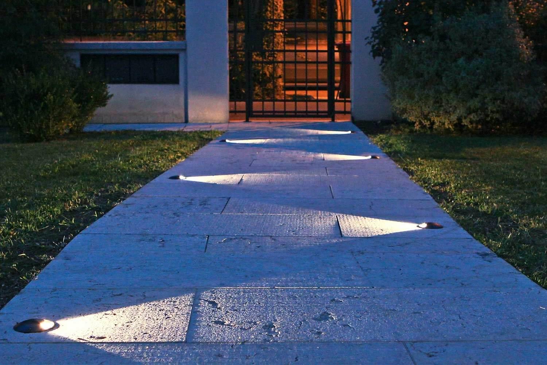 Idee per Illuminazione Vialetti, camminamenti o sentieri