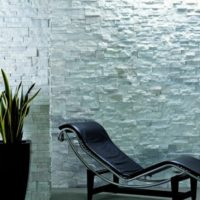 Riscaldamento a parete con rivestimento in pietra: come funziona?