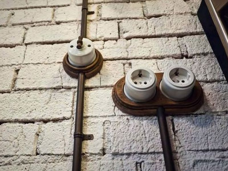 impianto elettrico a vista vintage